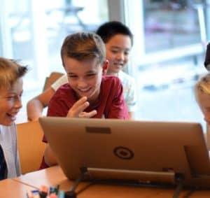 children screen classroom